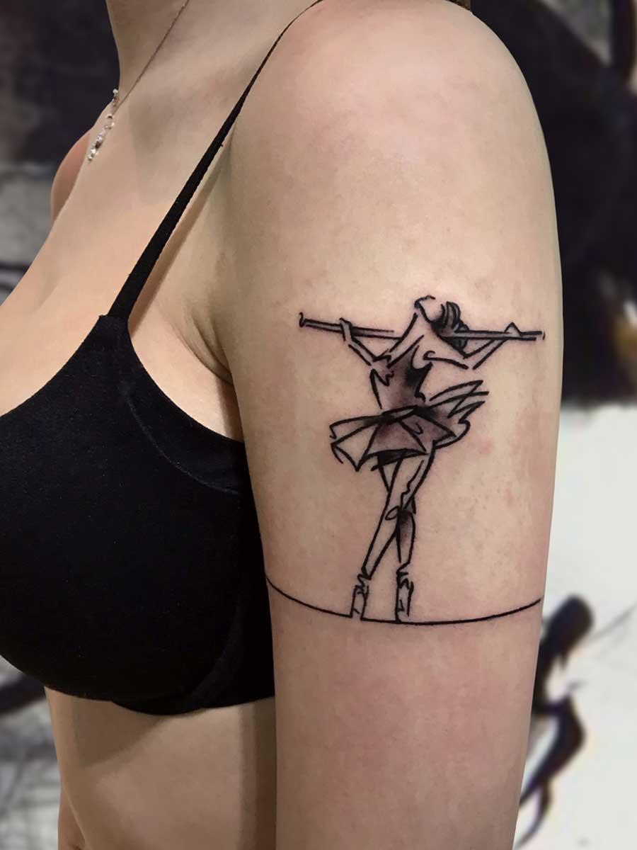 Tatuaggio minimal ballerina