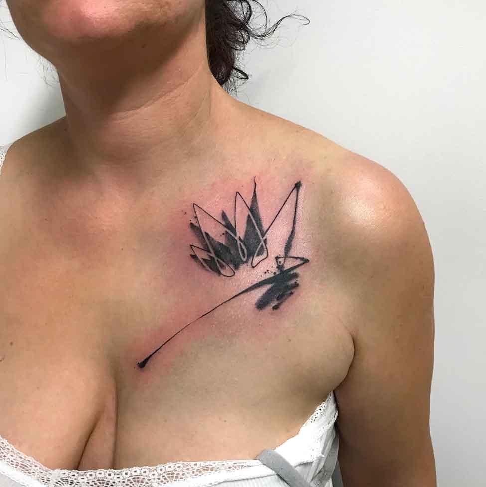 Tatuaggio fiore astratto